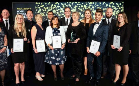 NZ Hotel Industry Award winners pictured with co hosts Sally Attfield TIA and Stephen Hamilton Horwath HTL.